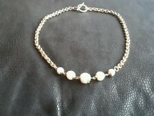 Gold toned and faux pearl T-bar clasp necklace (neck 162)
