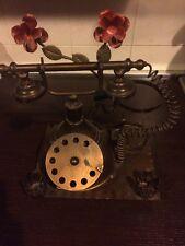 Portacandele In Ferro Battuto A Forma Di Telefono Antico