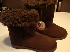Wmns SO Ankle Boots Brown Size 6M with Faux Fur