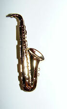 GOLD PLATED SAXOPHONE DIE STRUCK PIN BROOCH PIN