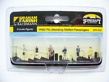 N scale Scenecraft 1960's / 70's RAILROAD STATION PASSENGER  Figures  # 315