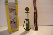 ~JOHN DEERE~1930'S WAYNE GRAVITY GAS PUMP REPLICA~DIE-CAST~GEARBOX TOYS~W/BOX~