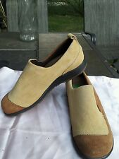 MARTINO womens suede shoes sz.9.5 W beige/brown made in Canada