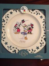 Lenox Christmas Holiday BUILDING SNOWMAN Mickey Mouse Co. Disney Plate 1998