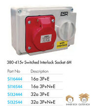 ESR IP44 Industrial Con interruptor Enclavado Enchufe 415V Rojo 16A 3 Pines+