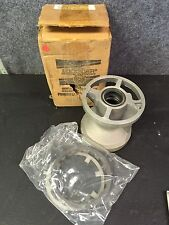 New OEM Mercury Lower Unit Bearing Carrier Part Number 52835A2