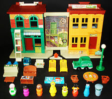 VINTAGE FISHER-PRICE LITTLE PEOPLE SESAME STREET APARTMENT HOUSE #938 B