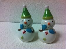 ADORABLE SET OF 2 GREEN HAT SNOWMAN SALT AND PEPPER SHAKERS BRAND NEW