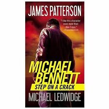Step on a Crack No. 1 by James Patterson and Michael Ledwidge (2013, Paperback)