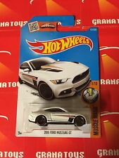 2015 Ford Mustang GT #121 White Hot Wheels 2016 Hot Wheels Case G