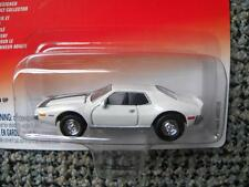 1972 AMC JAVELIN     2004 JOHNNY LIGHTNING CLASSIC CAR DIE-CAST COLLECTION  1:64
