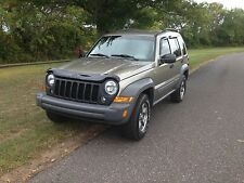 Jeep : Liberty 4dr Sport