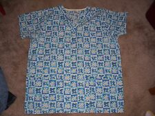 DAISY Floral Design Uniform Scrub Top Size Medium