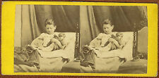 early stereoview photo cute girl playing with doll toy poupée foto stereo 1860