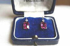 FINE VINTAGE ART DECO 18 CT Y GOLD DIAMOND & RUBY DROP EARRINGS CASED (2CM LONG)
