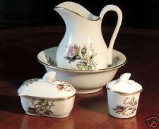 Porcelaine tendre, miniature, dinette au décors polychromes, XIX°
