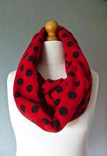 Rouge et noir polka dot snood, spotted boucle, noir avec des taches rouges de capot