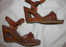 70's ankle strap woven peep toe strappy  wooden structured platform shoes 7.5 M