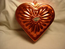 Vintage MIRRO Heart Shaped Gelatin Mold Wall Decor Aluminum Copper Color USED
