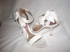Kenneth Cole Unlisted Size 6.5 M White Satin Sandals Heels New Womens Shoes