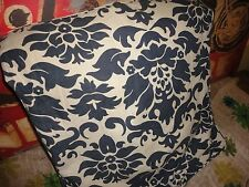 POTTERY BARN BLUE & CREAM MEDALLION (1) PILLOW  COVER LINEN BLEND 20 X 20