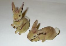 VINTAGE PAIR OF MINIATURE FLOCKED BUNNY RABBITS COTTONTAILS VGC JAPAN