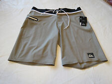 Quiksilver boardshorts 31 board swim shorts trunks Men's AG47 Everyday 31x20 NEW