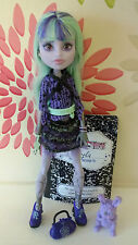 * monster high twyla 13 wishes poupée plus pet dustin, journal & sac *