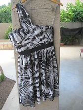 Vince Camuto One Shoulder Black White Sumptuous Rebel Lined Chiffon Dress Sz 8