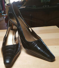 Lauren Ralph Size 51/2 brown Leather Slingback business & classic shoe