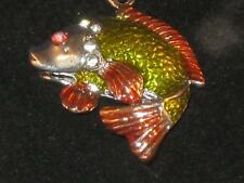 NEW SILVER-TONE FISH KEYCHAIN WITH GREEN & GOLD COLORED ENAMEL & CRYSTALS K004