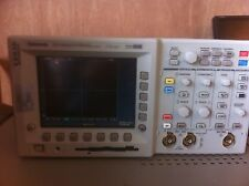 Tektronix TDS3032 / TDS 3032 300 MHz 2.5 GS/s Digital Phosphor Oscilloscope