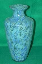 Grand vase en verre moucheté bleu , hauteur 29 cm