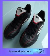 (208) brand new Umbro Classico SG Football boots childs size 10 * free boot bag