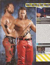 Wwe Wrestling: Curt Hawkins firmado A4 (12x8) Revista Imagen + Certificado de autenticidad Prueba ** **