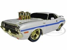 """Chase Car"" 1970 DODGE CHALLENGER R/T 75TH MOPAR ANNIVERSARY WHITE 1/18 M2 91165"