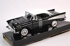 CHEVROLET BEL AIR 1957 BLACK WHITE MOTORMAX 73228 1:24 NEW DIECAST MODEL