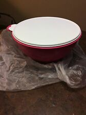 TUPPERWARE THATSA BOWL 32 CUP NEW BRIGHT DARK PINK WITH WHITE LID!!