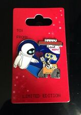 Disneyland Wall-E and Eve Valentines Day Pin 2014 Limited Edition Disney Pixar