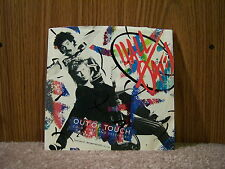RCA PB-13916 Daryl Hall John Oates - Out Of Touch / Cold, Dark And Yesterday