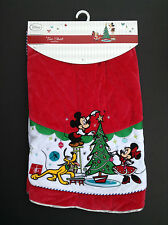 DISNEY Store HOLIDAY 2014 Tree Skirt MICKEY and MINNIE w/PLUTO CHRISTMAS Red NWT
