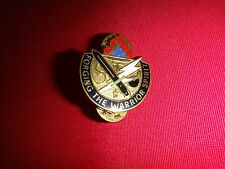 Metal Badge US Army TOTAL READINESS TRAINING CENTER Distinctive Unit Insignia