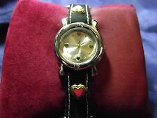 Woman's Quartz Watch with Hearts **Nice** B36-618