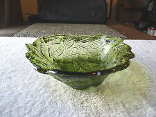 "Vintage Leaf Shaped Green Glass Candy / Nut Dish "" BEAUTIFUL COLLECTIBLE ITEM """