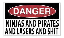 Ninjas Y PIRATAS Y LASERS Divertido Advertencia Coche Camioneta Calcomanía Pegatinas