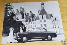 Peugeot 404 Coupé - Foto vor Schloss Chambord (Repro)
