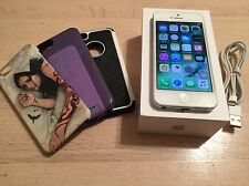 Apple iPhone 5 - 16GB - White & Silver (Unlocked) Smartphone