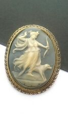 VINTAGE JEWELLERY-CELLULOID 'DIANA THE HUNTRESS' BLUE & WHITE CARVE CAMEO BROOCH