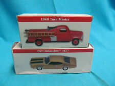 READERS DIGEST 1948 TASK MASTER FIRE TRUCK & 1969 OLDSMOBILE 442 CAR LOT
