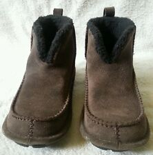WOMEN'S CROCS BROWN SUEDE PULL ON TAB ANKLE BOOTS SIZE 6 FULL INNER LINING EUC